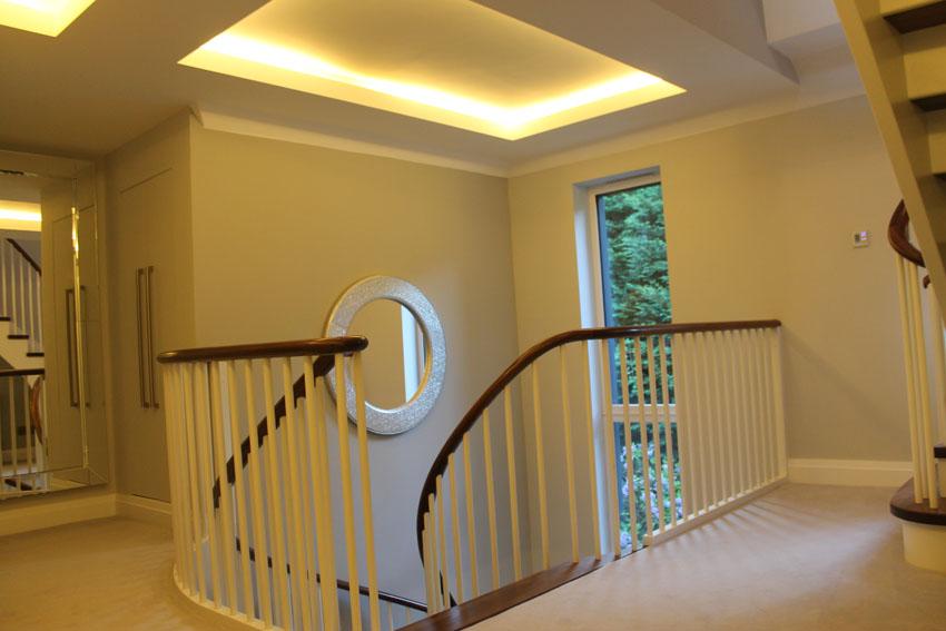 staircase-upper-landing-2.jpg