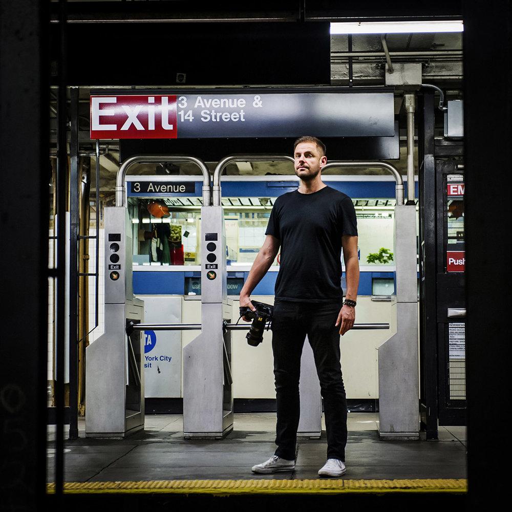 Natan Dvir - Subway Square
