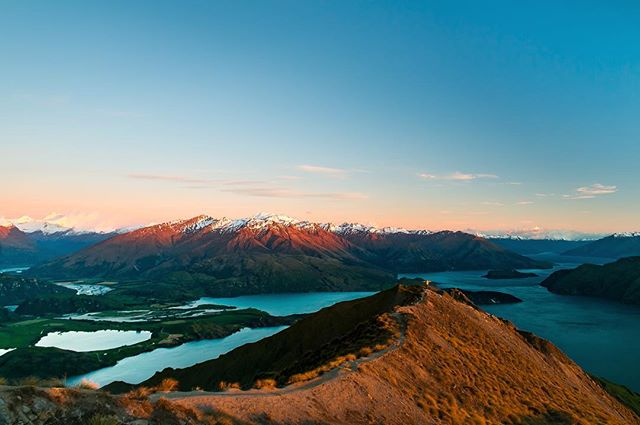 One of the best views in New Zealand! Have you climbed Roy's Peak yet? It's well worth the hike! . . . #nature #wanaka #lake #mountains #canon #nz #nzmustdo #newzealand #inspiration #discover #adventure #explore #travel #travelgram #travelphotography #photography #photographer #hiking #hike #sunrise #beautiful #bluesky #goldenhour #instagood #igers #roadtrip #tourism #view #visitnewzealand #wonderlust