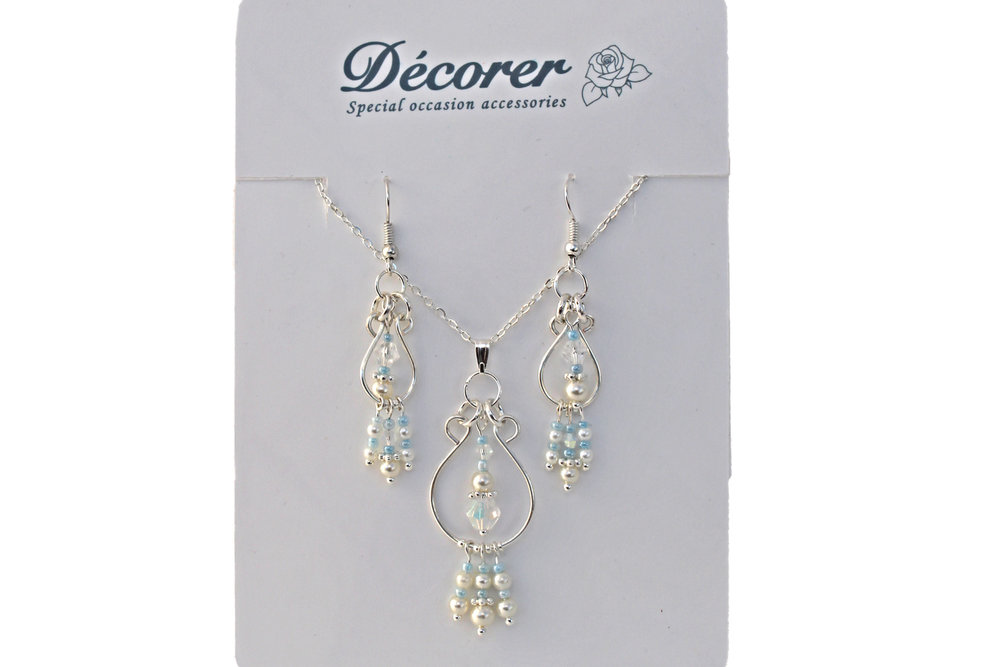 light blue and pearl dangle jewellery set.jpg