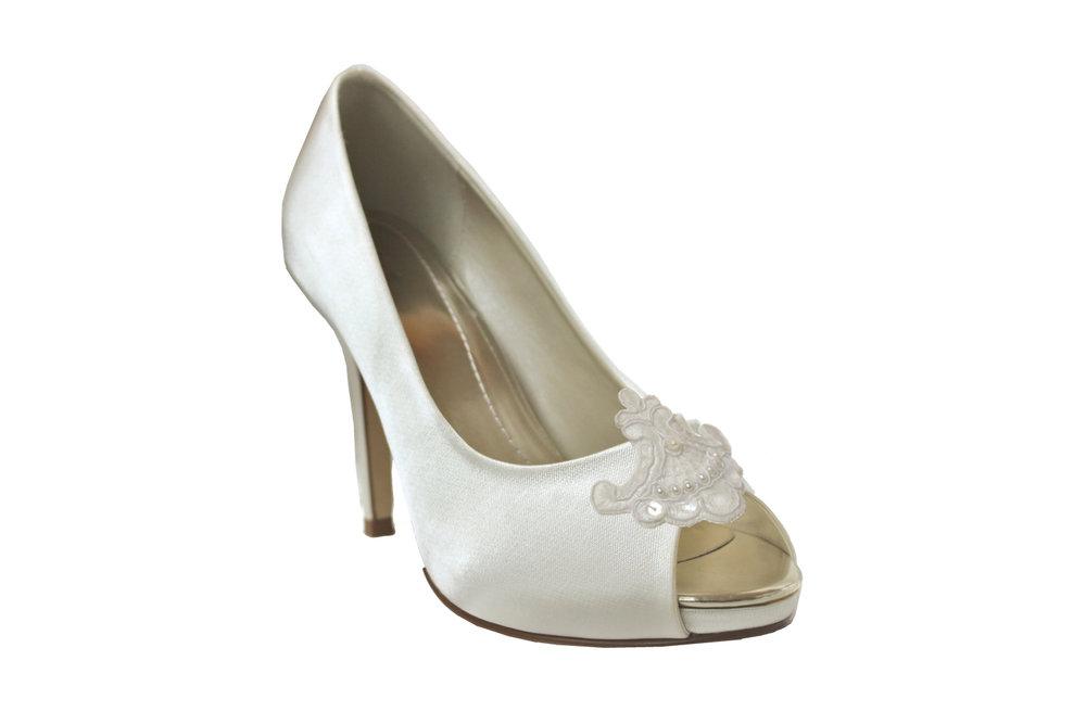 elisee bridal shoe clip.jpg