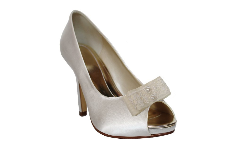 aimee bridal shoe clips on shoe.jpg