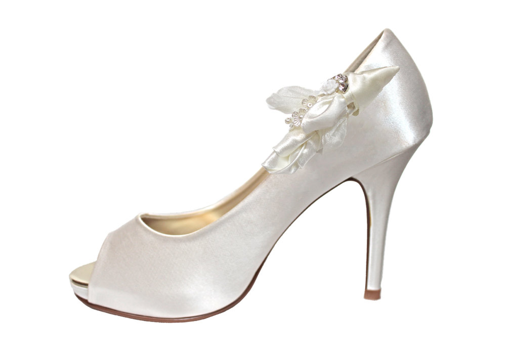 helene bridal shoe clip on shoe.jpg