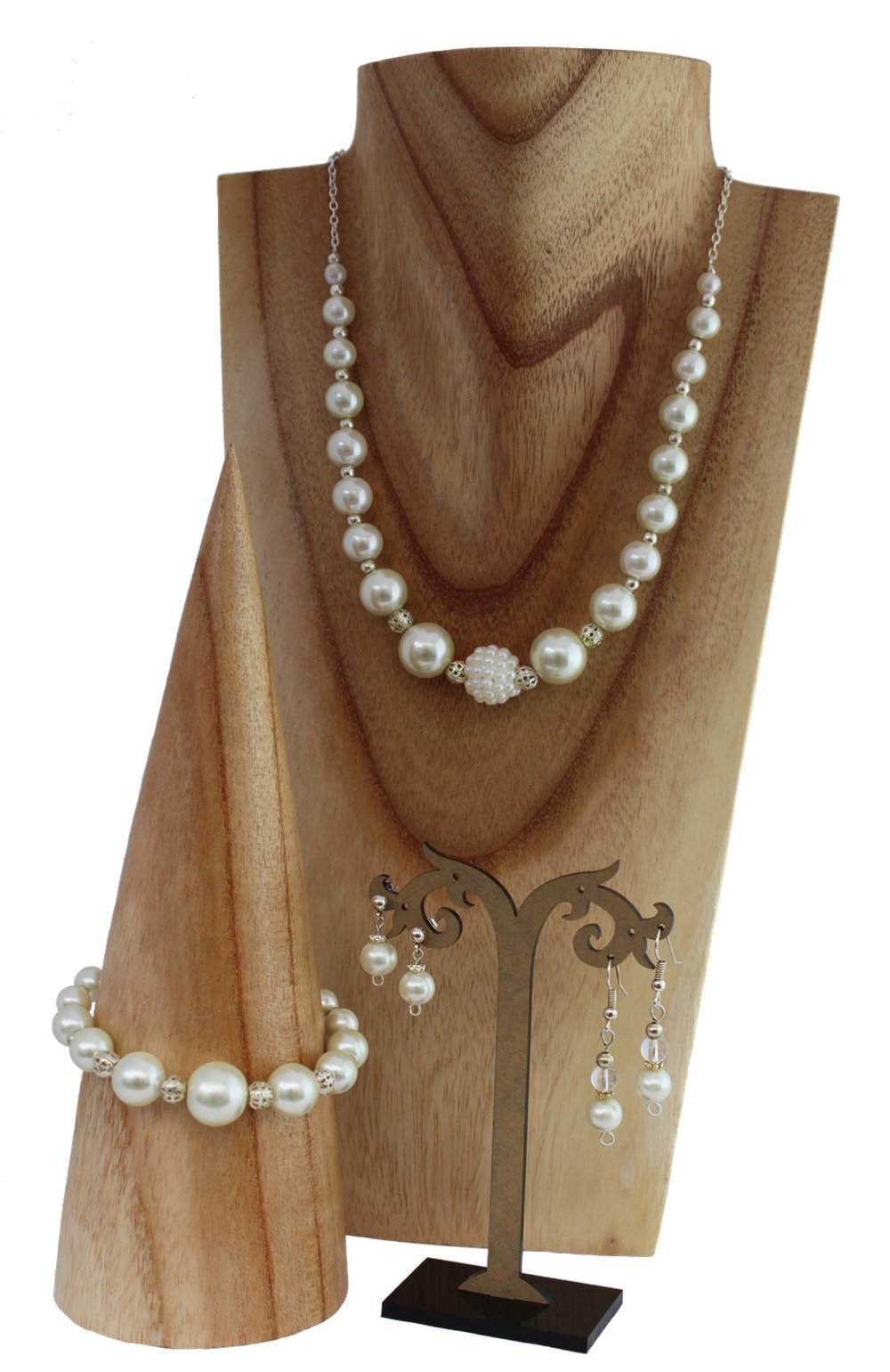 ivory pearl jewellery set.jpg