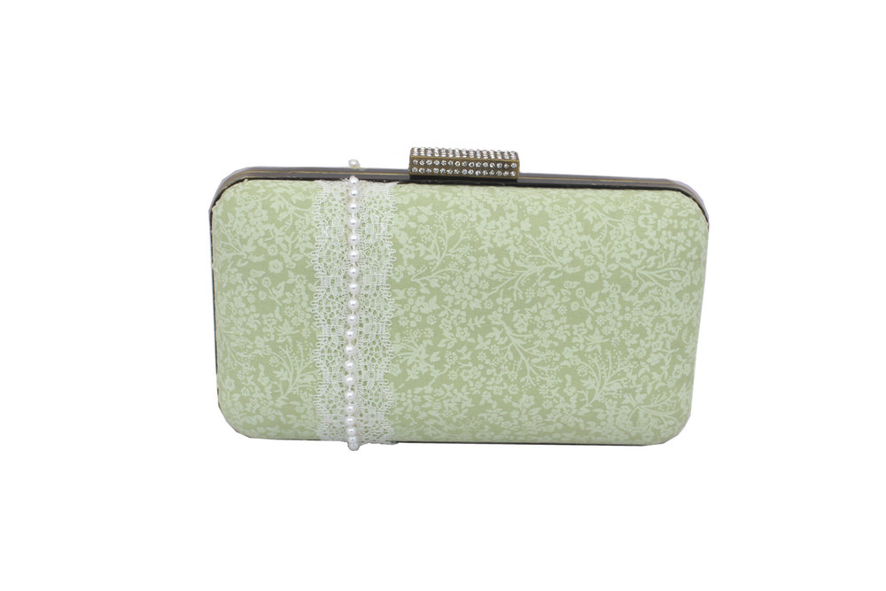 pastle green clam shell.jpg