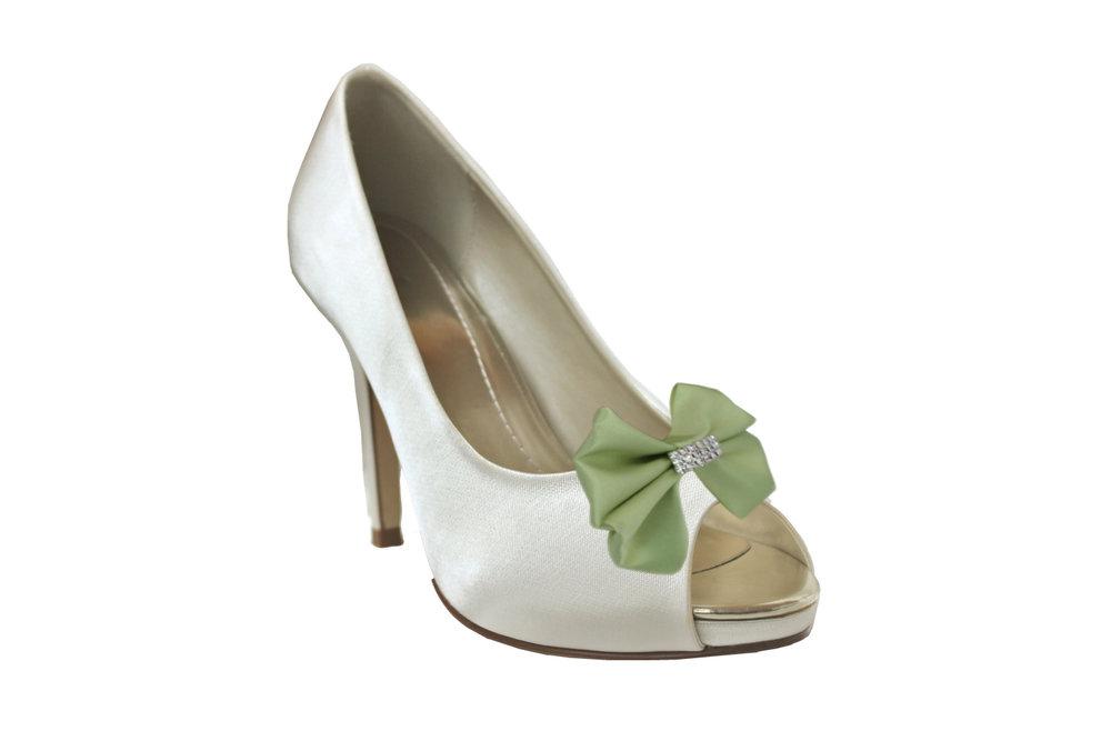 pale green aggie shoe bow on shoe.jpg
