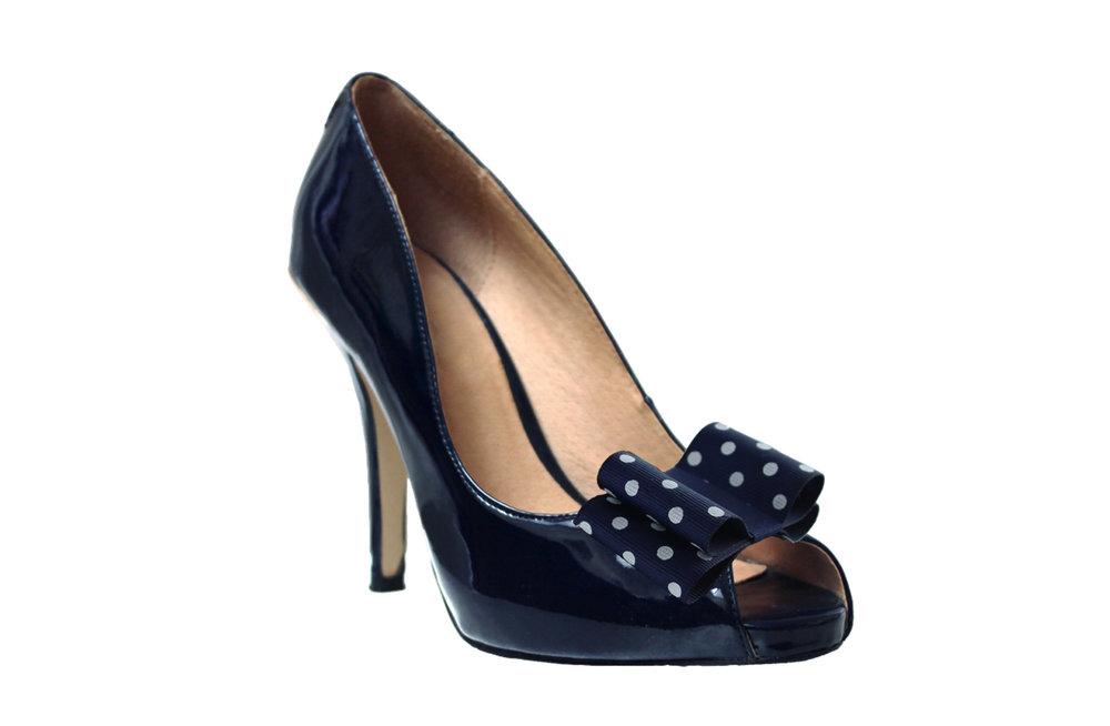 donella polka dot shoe bow on navy shoe.jpg