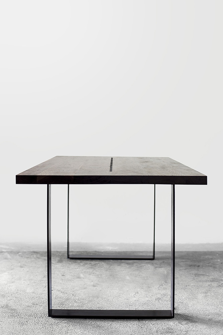 2point54_TL-dining-table_b1