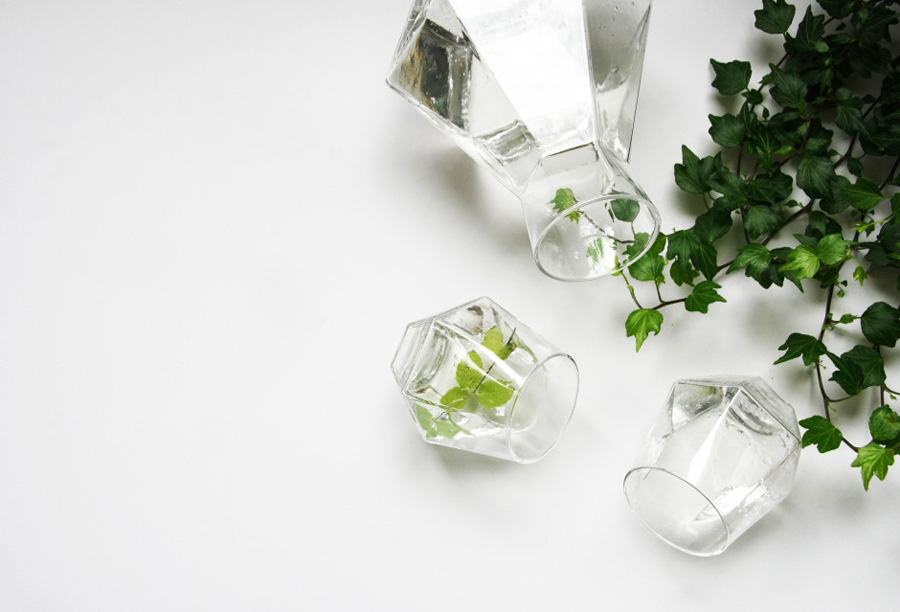RADIANT-Diamond-Shaped-Glasses1-940x639