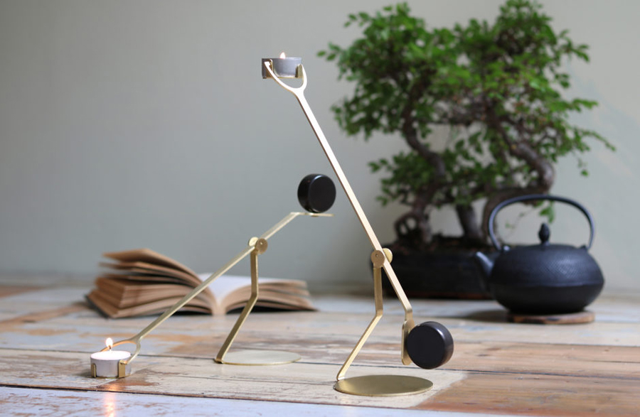 the-Rising-Balance-candleholder-1