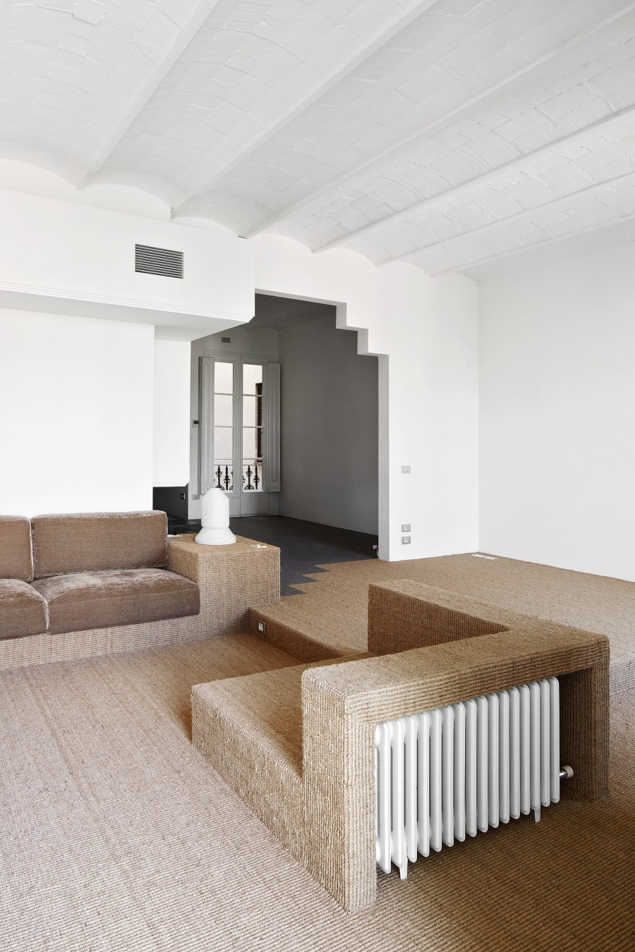 house-girona-barcelona-arquitectura-g-interiors-residential-spain_dezeen_2364_col_1