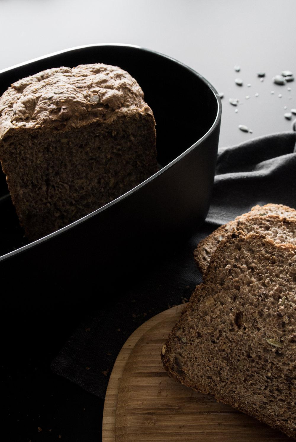 fonq-aprilandmay-bread-7.jpg