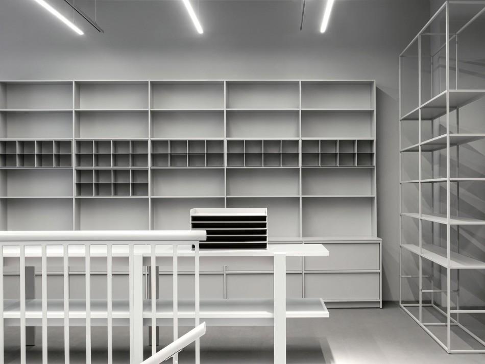 arket-copenhagen-fashion-store-interiors_dezeen_2364_col_2-e1506082335937.jpg