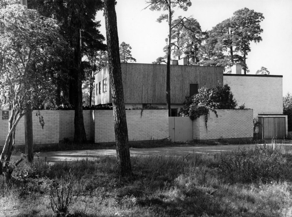 Aalto_House_exterior_1930s.jpg