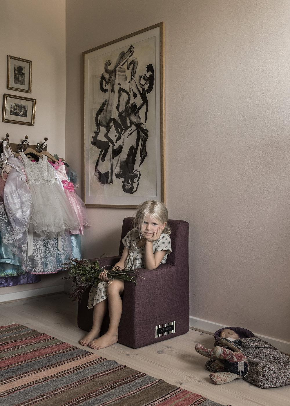 by_KlipKlap-Kids_Chair_XL_plum_girlsroom.jpg
