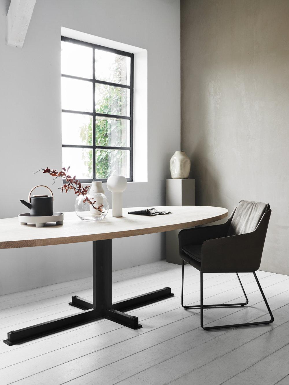 Cross table - Cambria XL smooth.jpg