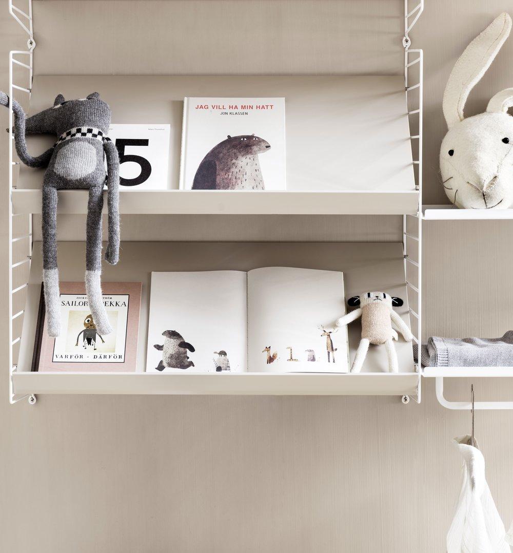 string-system-kidsroom-beige-white-closeup_portrait.jpg