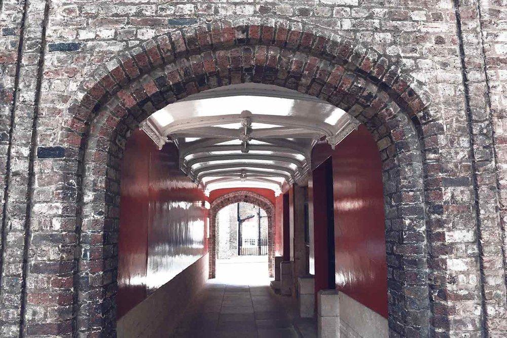 Lincoln's-Inn-Gate.jpg