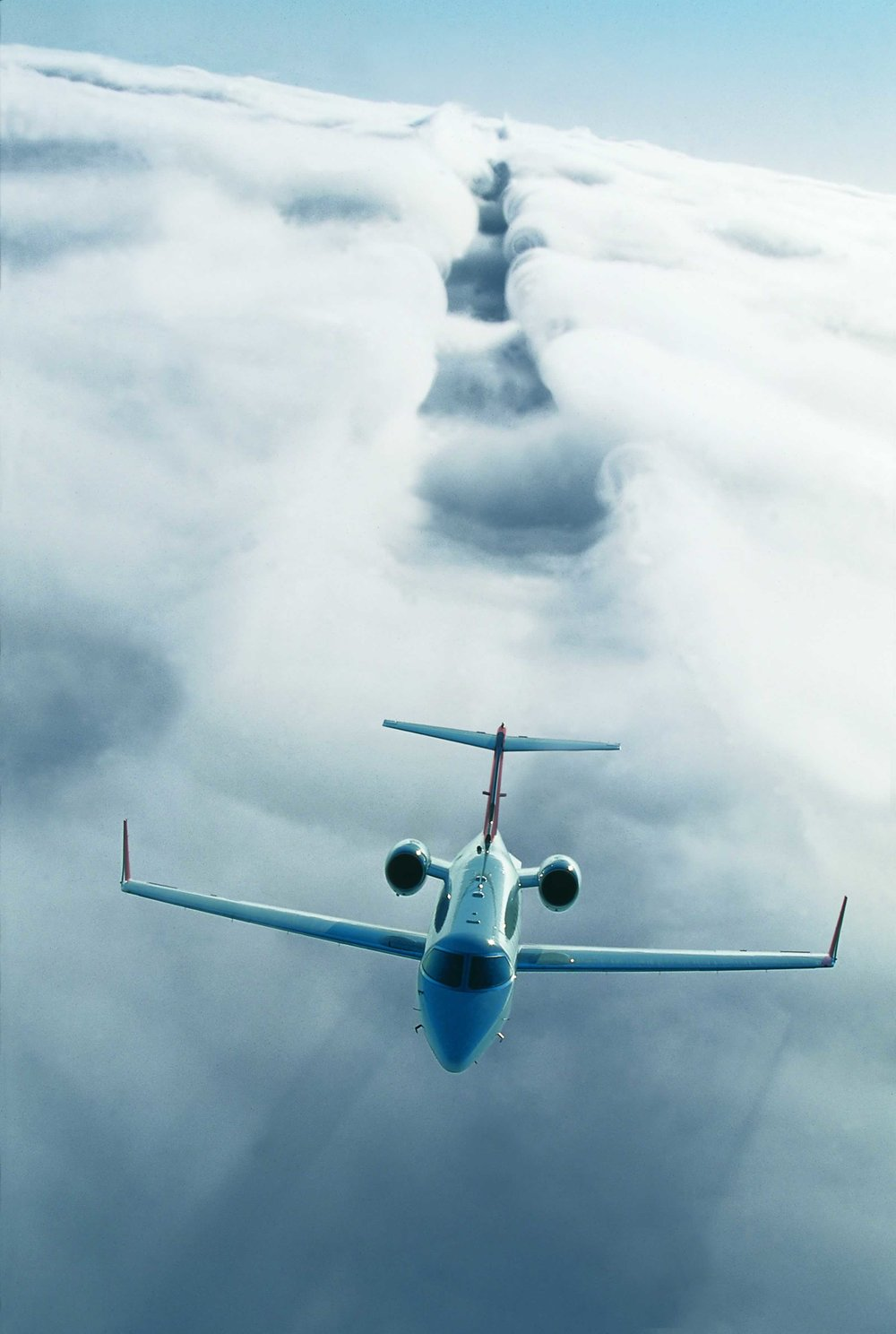 Learjet 40 XR in flight 2.jpg