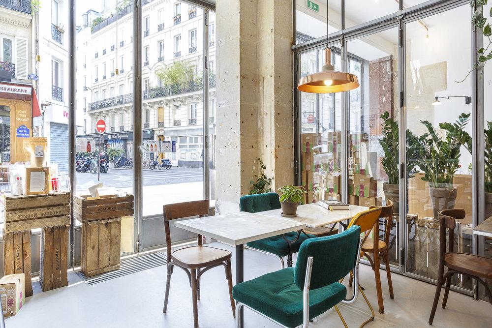 Aménagement sur-mesure en bois de la boutique Yumi à Paris