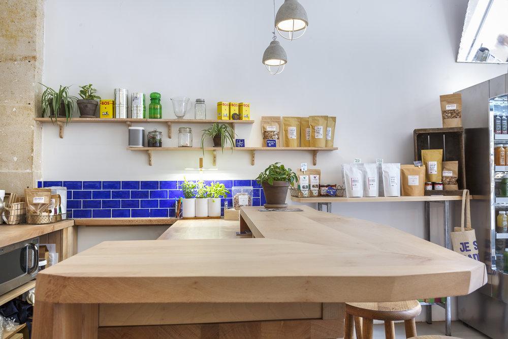 Bar en bois sur-mesure pour la boutique Yumi