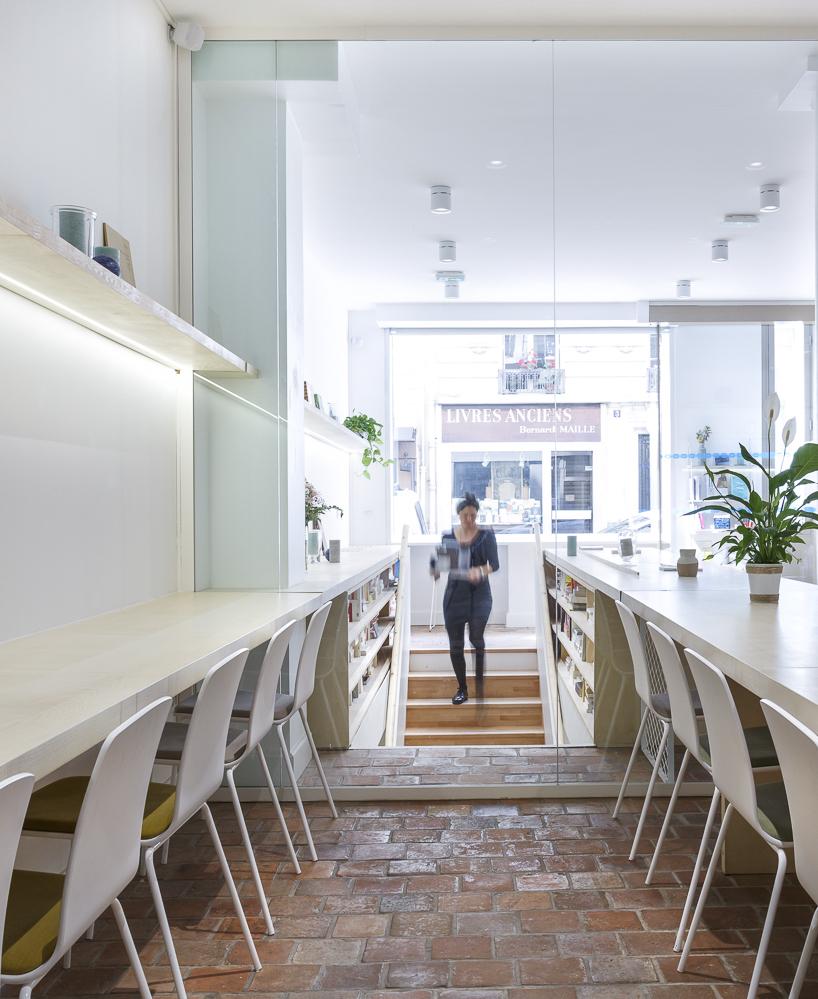 BUREAUX   Hopfab vous accompagne pour créer un environnement de travail unique, à l'image des valeurs de votre société.     En savoir plus    sur notre service bureaux