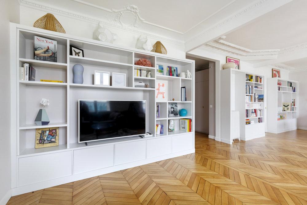 PARTICULIER  I Dix9mai  Agencement bibliothèques et meuble d'entrée