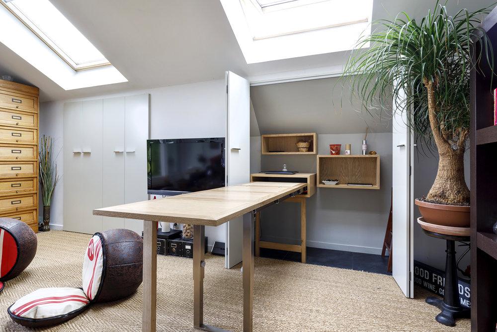 RÉSIDENTIEL   Table escamotable - bureau spécial petit espace