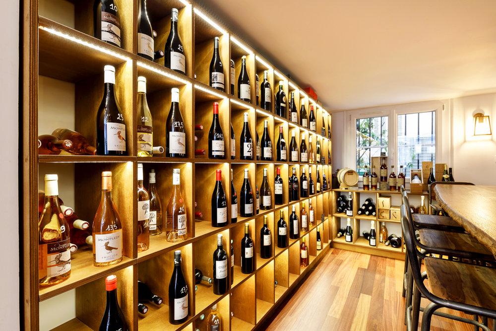 Agencement vinothèque boutique Paris
