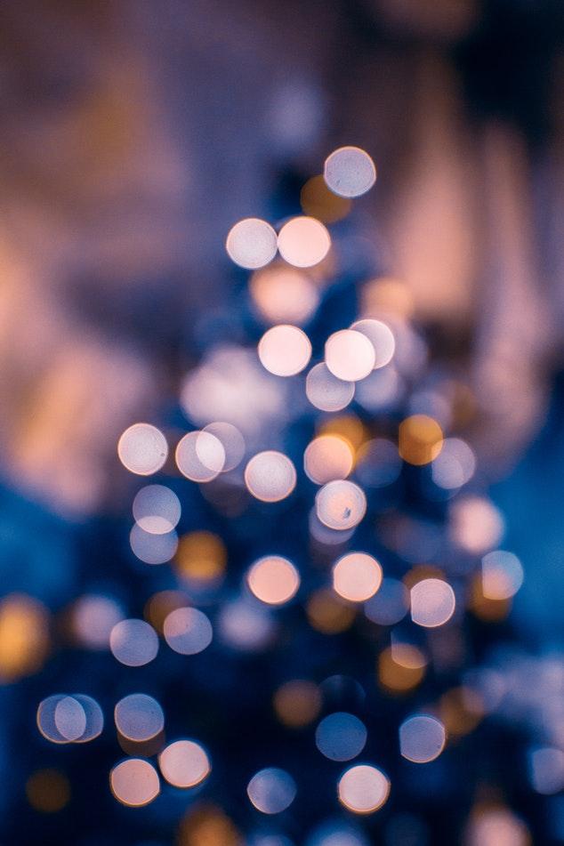 Blurred_tree.jpeg