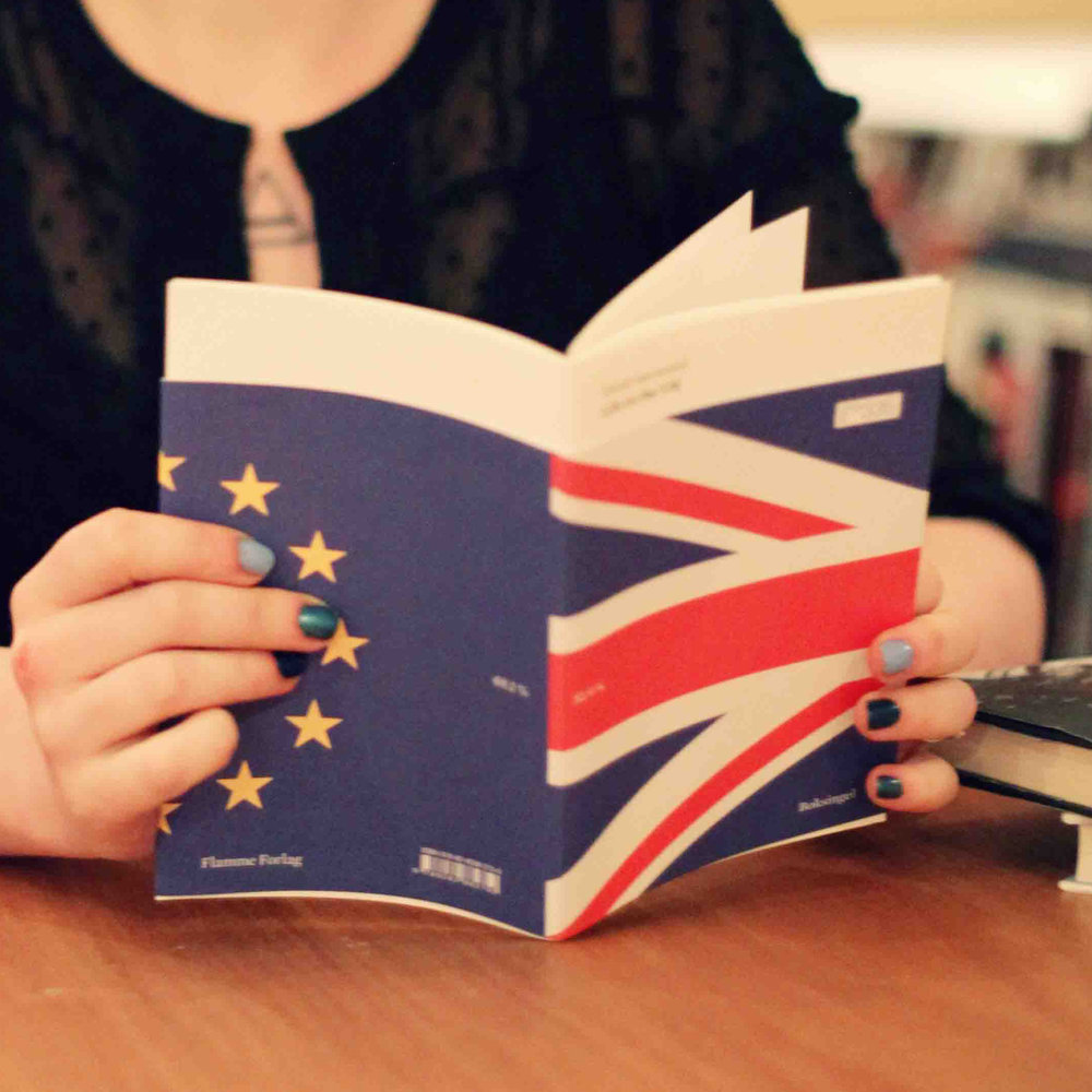 about this book - Heidi Sævareid has lived in the UK since 2015, and along with thousands of other EU- and EEA citizens, she risks deportation if there's a no-deal Brexit.  What sort of bureaucratic challenges must she go through to get permanent leave to remain? How many stacks of papers will she have to provide? How well does she know the country she has settled in, and will she be able to pass the