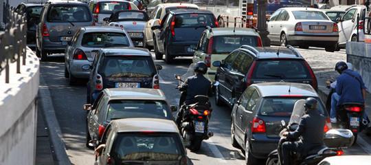 Traffico automobili