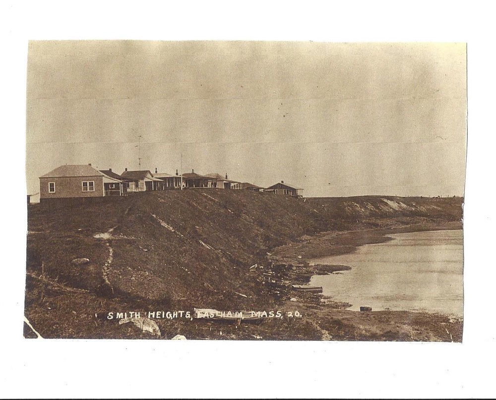POSTCARD OF COTTAGES ENLARGED.jpg