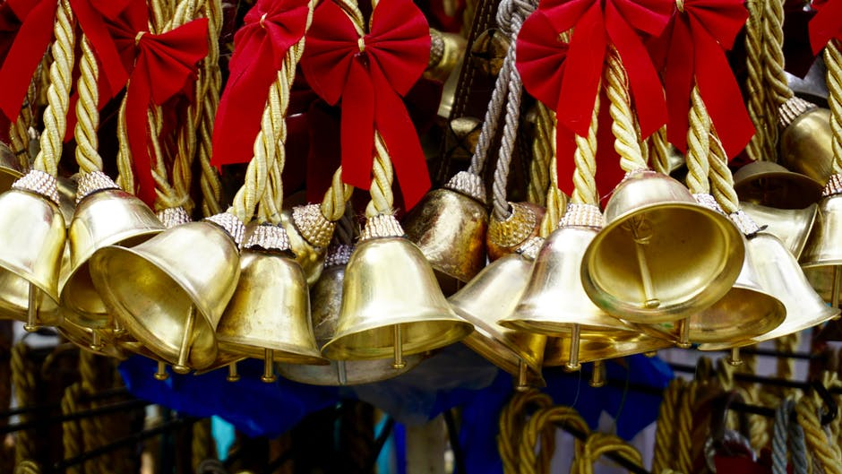 christmas bells pexels-photo-365069.jpeg