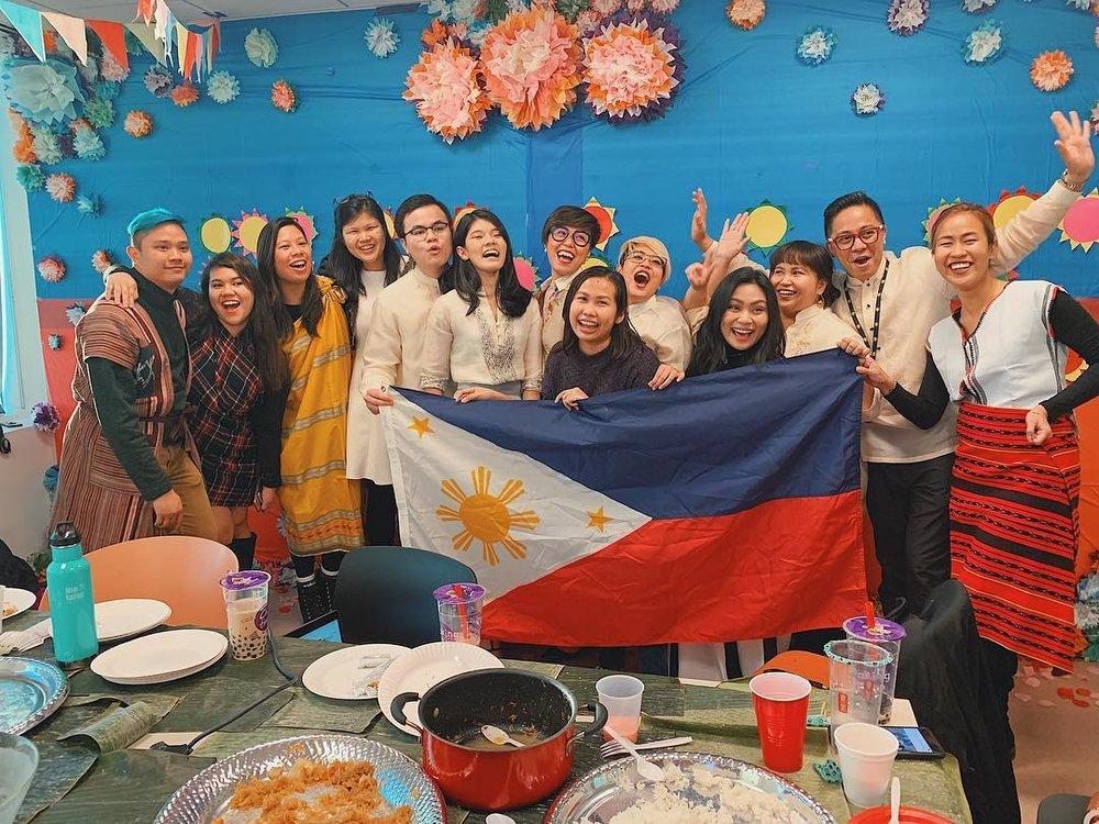 Hult Filipino graduate students // Photo from Shara Cabrera // Provided by Reina Adrianao