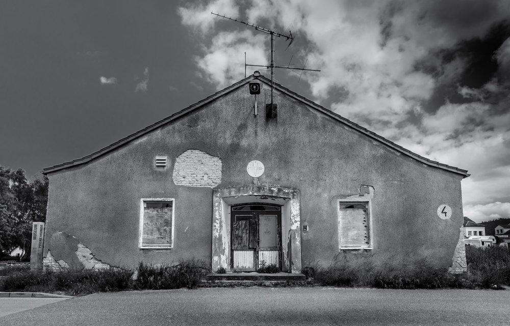 Black-White-9.jpg
