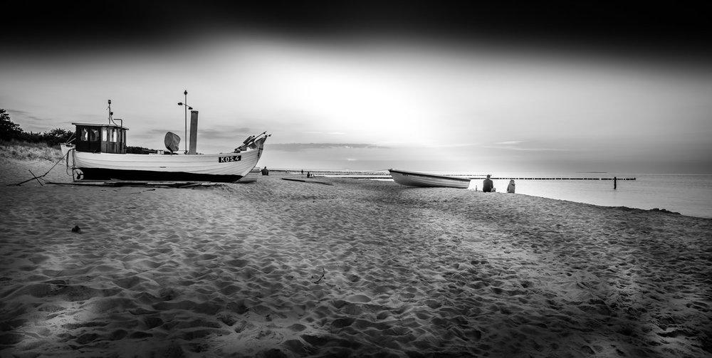 Black-White-12.jpg