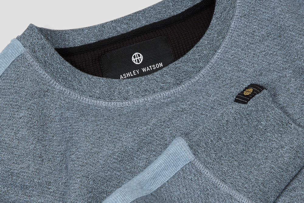 A heavyweight 11oz loopback jersey traps heat - perfect for when the night draws in after a days riding.