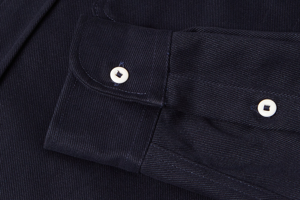 Constructed in a hardwearing 14oz cotton twill to withstand the demands of the road.