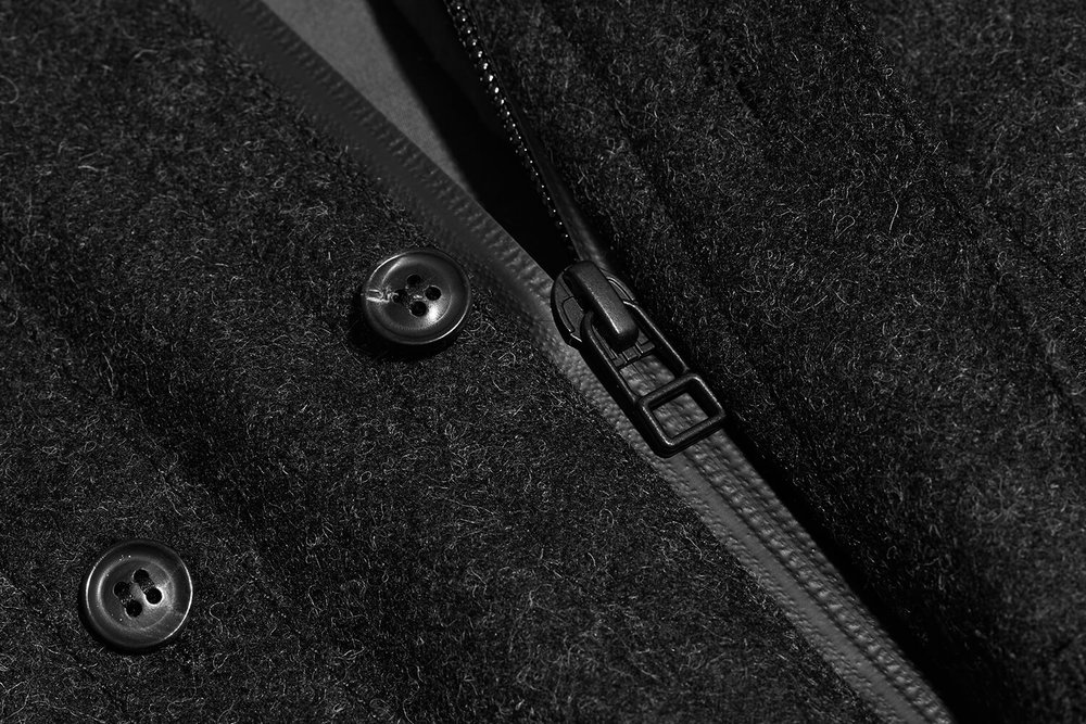 Made in England, the heavyweight Melton Wool shell is sealed with a concealed Aquaguard to stop wind entering from the front.