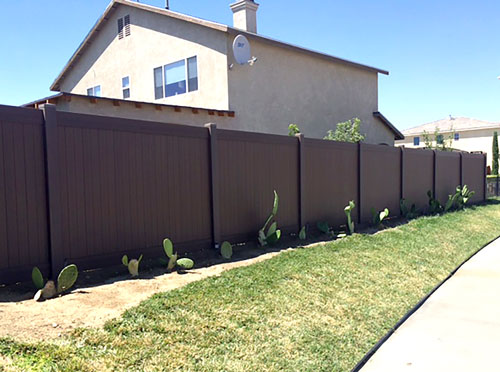 VINYL PRIVACY - Vinyl fencing is fast becoming the most popular choice for residences and businesses in the High Desert.  The great thing about a vinyl fence is that it's easy to install and maintain. That means you can expect to save yourself time and money in the long run.  We install vinyl fences using only high-quality materials.  Our products are available in a wide range of colors and styles, and we'll be happy to help you select the option to best complement your property's exterior.