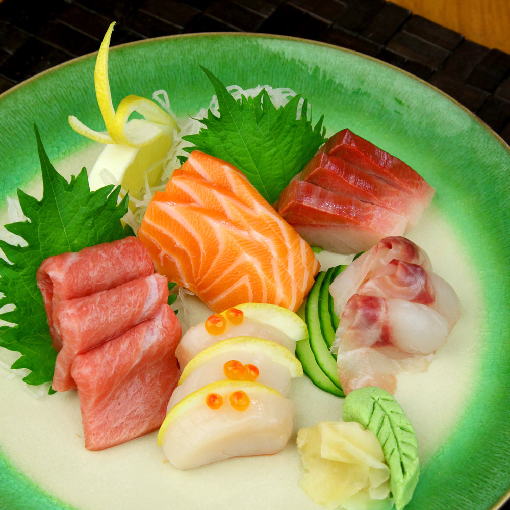 ASSORTED SASHIMI PLATTER -  15 PCS @ £18