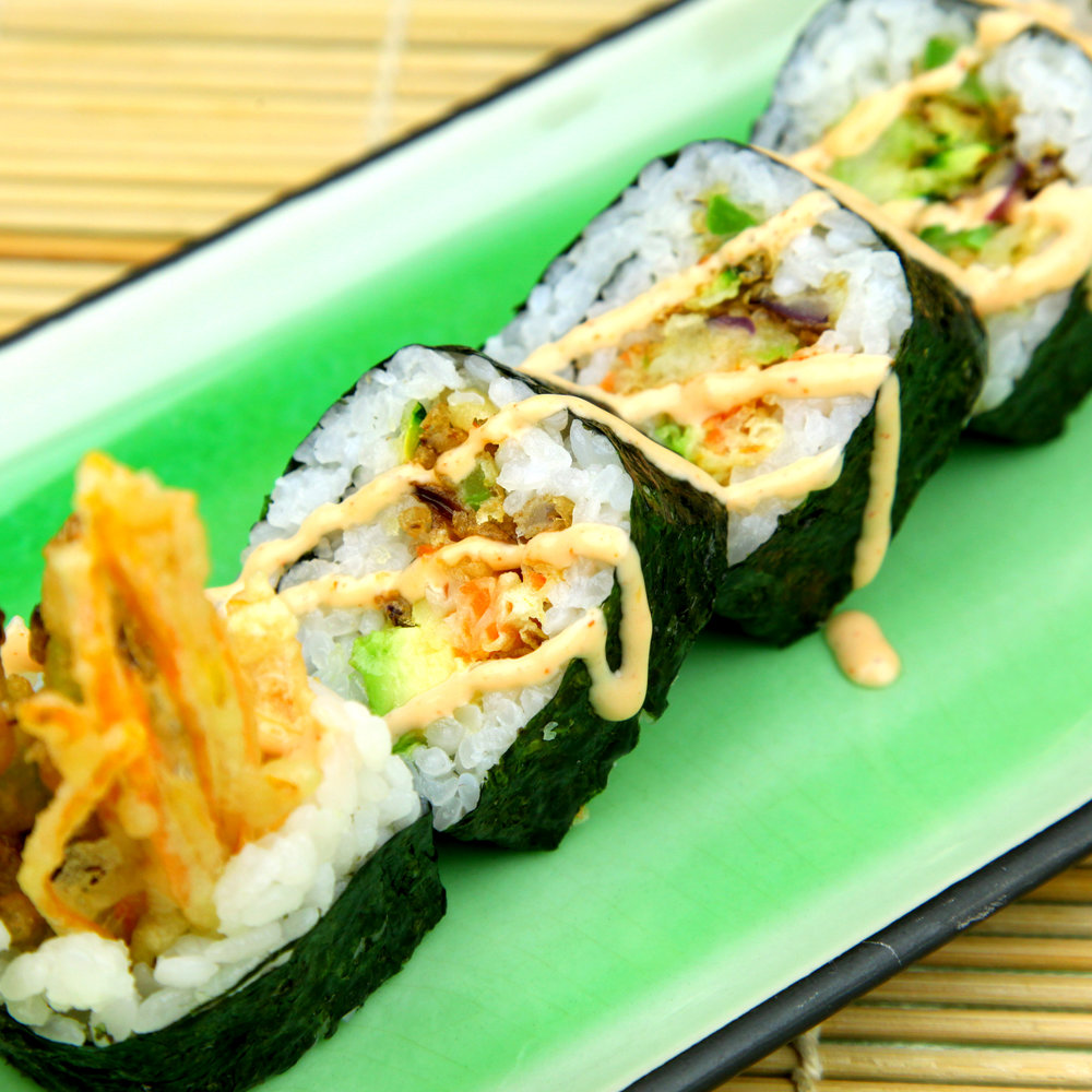 Tempura Vegetable Maki with Spicy Mayo (V) - 5 PCS @ £6.80