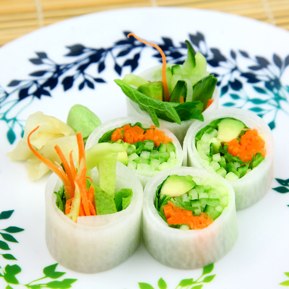 Avocado, Carrots & Cucumber with Shiso Leaf, wrapped in Mooli Maki (No Rice) (V) - 5 PCS @ £5