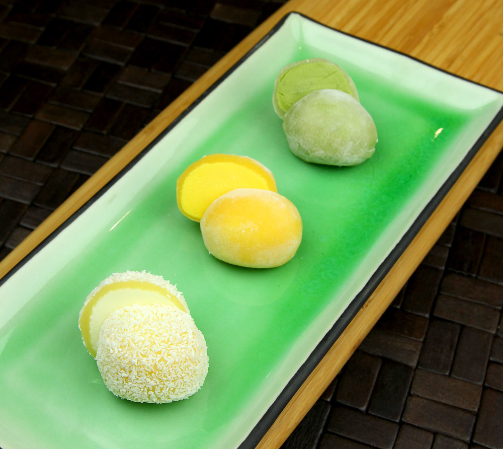 ICE CREAM MOCHI (GREEN TEA / MANGO / COCONUT) - 3 PCS @ £4.80