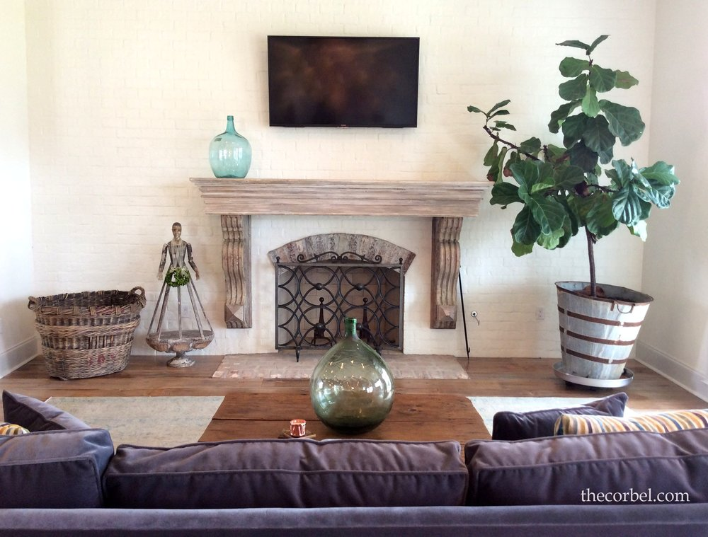 antique custom mantel.jpg