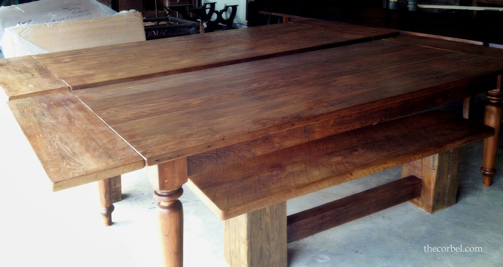 table with leaf and turned leg WM.jpg