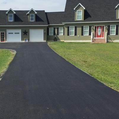 circle-green-house-driveway.png