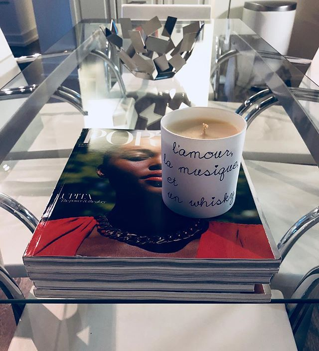 Love, Music & A Whisky: Sunday Night ❤️🎸🥃 #whisky #chic #love #portermagazine #deco #decor #home #knoll #sundayvibes #candles #nongmo #bougienaturelle #lamourlamusiqueetunwhisky