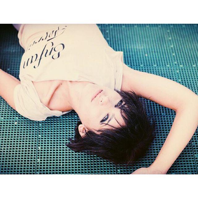 Sundaze 🖤 #cheadsmagazine 📷 @tyronelavignephoto #enfantterrible #tbs #amandamviola #vienna #love #sundayvibes